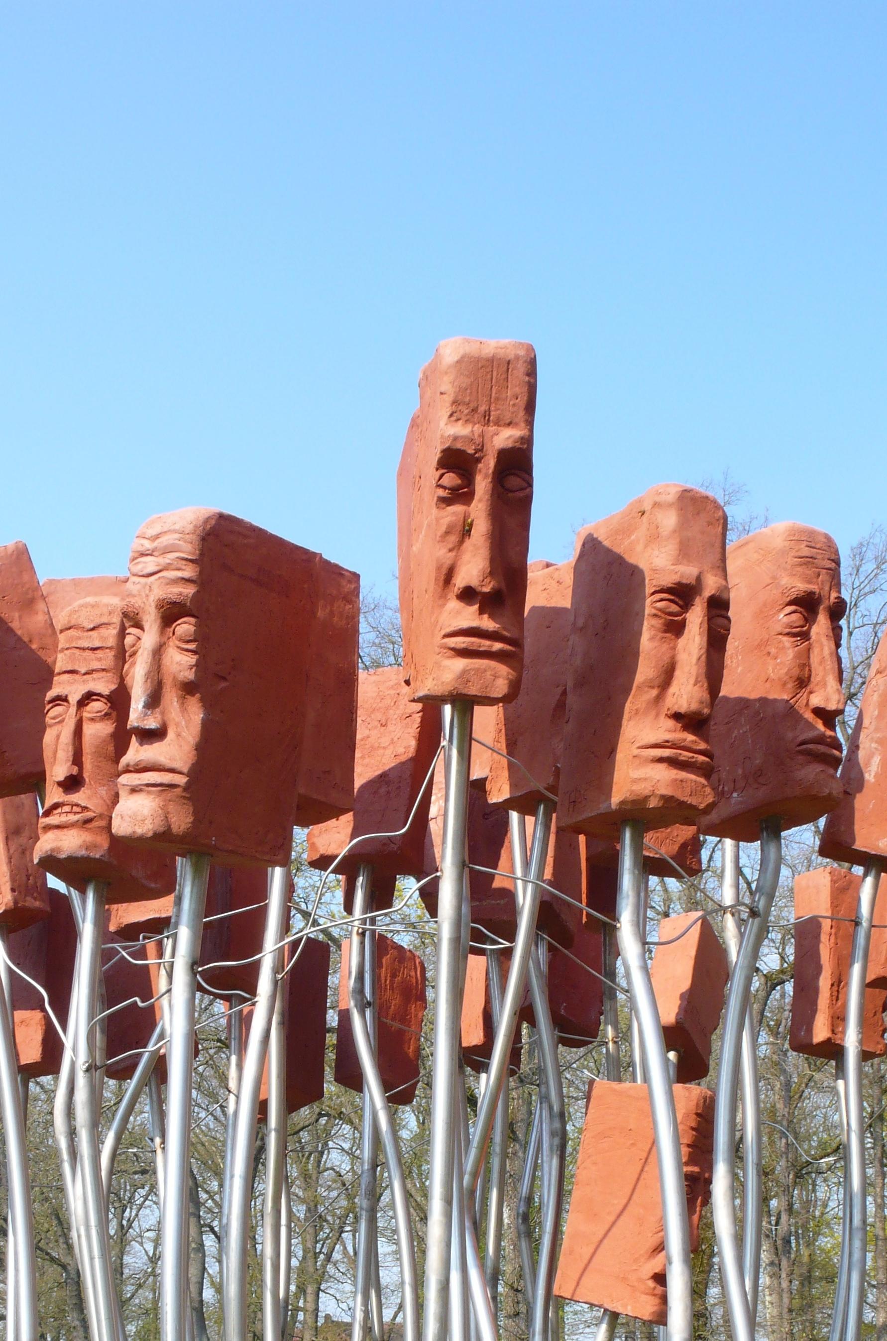 De namen en gezichten van kamp Wöbbelin